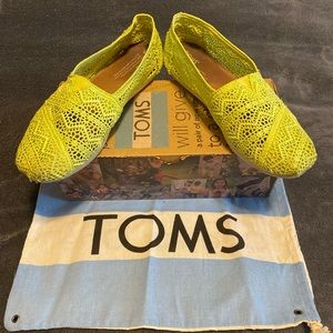 Toms classics neon lime crochet sneaker size 9